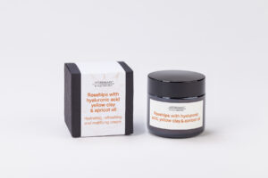 Rosehips with hyaluronic acid, Yellow clay & Apricot oil
